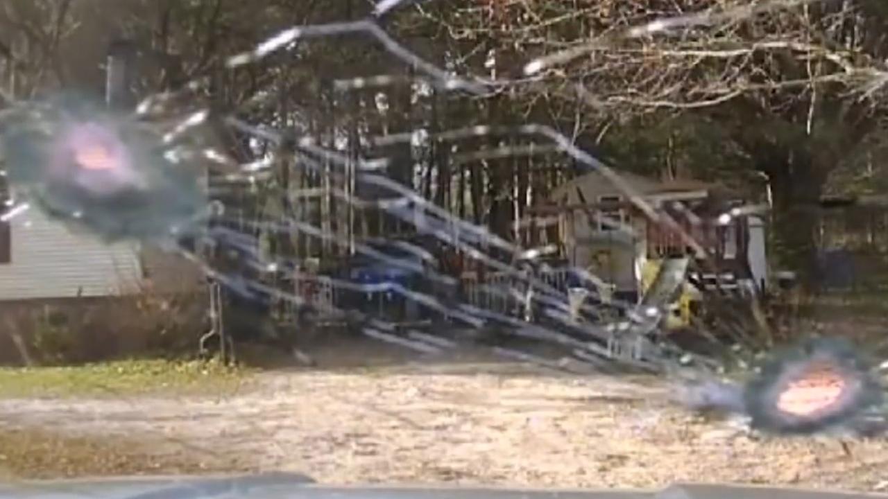 Man schiet op voorruit politieauto in South Carolina