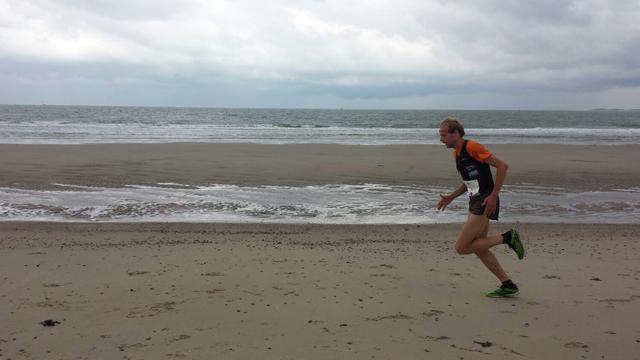 Erwin Harmes opnieuw snelste in Kustloop Vrouwenpolder