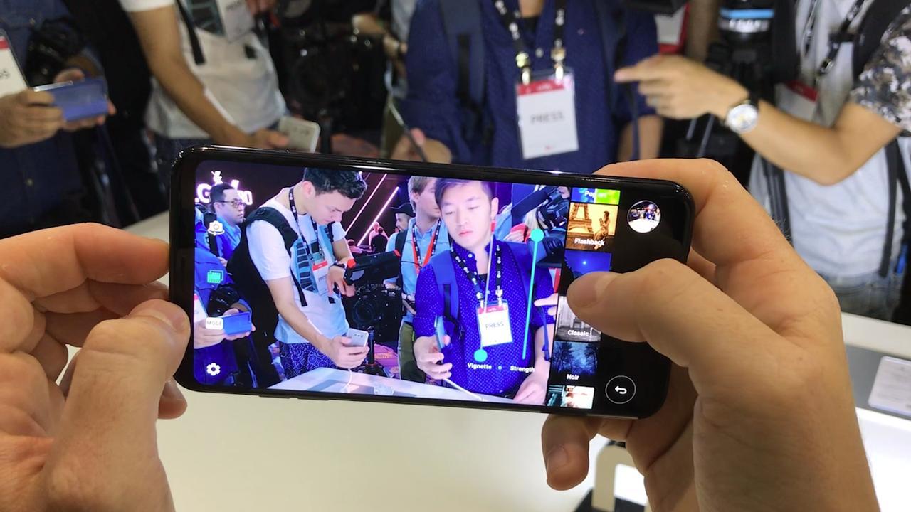 Eerste OLED-smartphone van LG