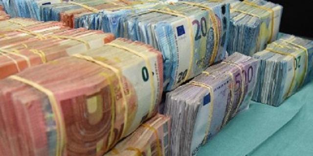 Man met 20.000 euro in auto aangehouden op A4