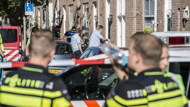 Vijf agenten niet lekker door vreemde lucht Berkelstraat