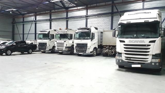 35 vrachtwagens van fraude verdachte mesthandelaar in beslag genomen