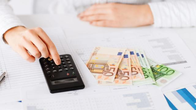 'Door lagere AOW-leeftijd lopen zestigers soms duizenden euro's mis'
