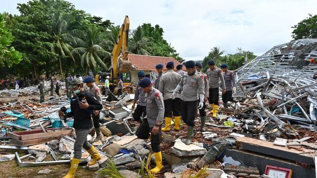 Dodental tsunami Indonesië opgelopen tot 429, meer dan 1.400 gewonden