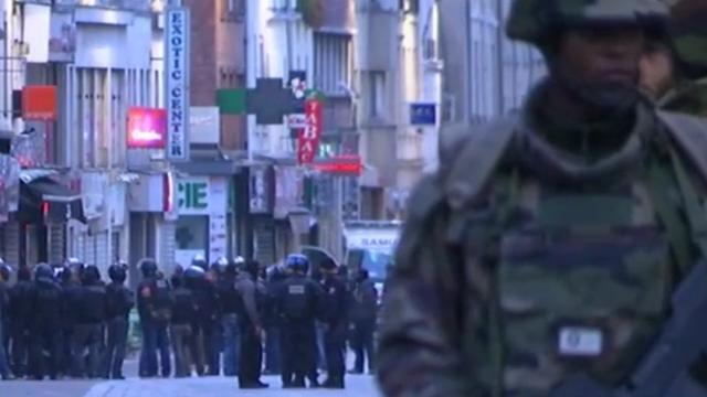 Voortvluchtige dader aanslagen Parijs zit in België of Frankrijk