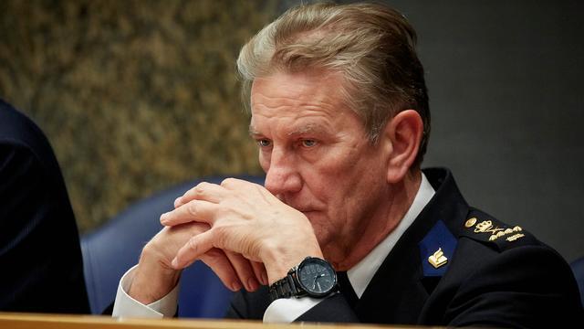 Oud-korpschef Bouman niet op non-actief tijdens onderzoek naar handelen