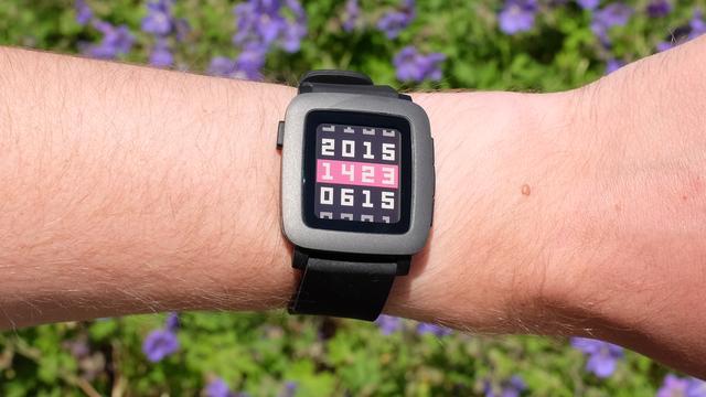 Fitbit bevestigt overname van smartwatchmaker Pebble