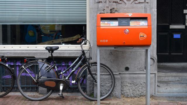 Postbode houdt 99 postzakken achter in schuur