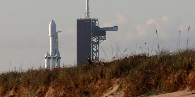Ruimtevrachtschip op weg naar ISS voor bevoorrading