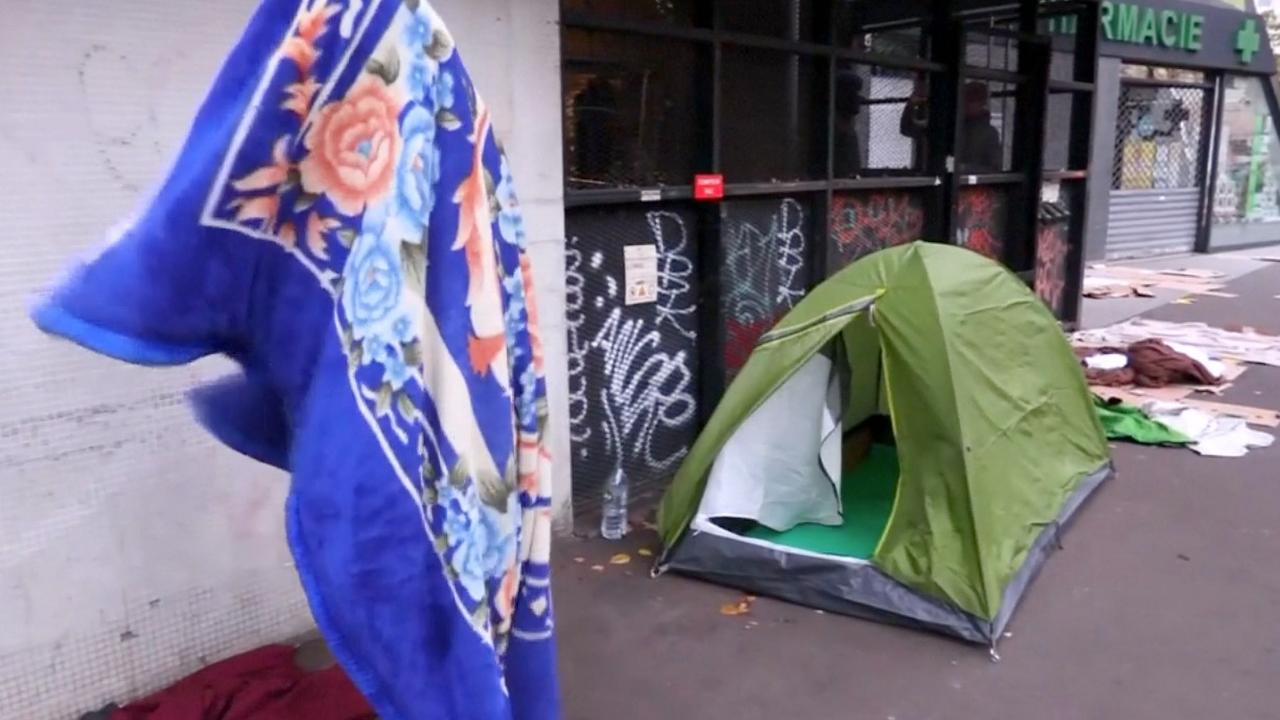 Franse politie ontruimt migrantenkamp in Parijs