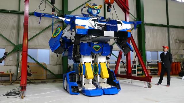 Japanse robot kan transformeren tot sportauto