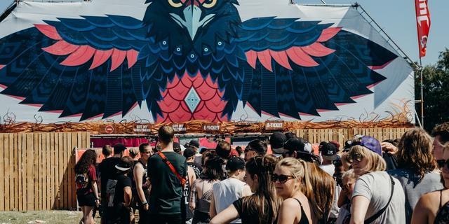 Architects zeggen show op Jera On Air af uit onvrede over festivalposter