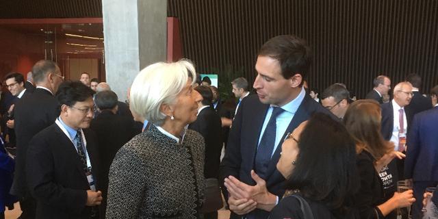 Minister Hoekstra bij G20-top: 'Het gaat beter dan ooit, maar wolken aan horizon'