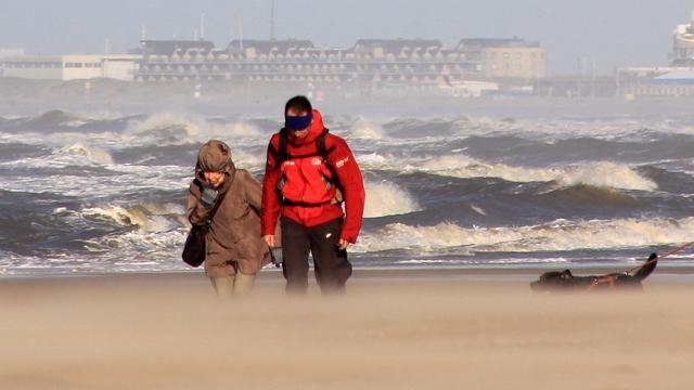 Weerbericht: Harde wind en kans op hagelbuien