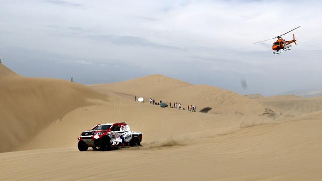 Autocoureur Ten Brinke verliest veel tijd in tweede etappe Dakar Rally