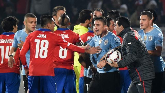 Uruguayaanse voetbalbond dient klacht in tegen 'provocerende' Jara