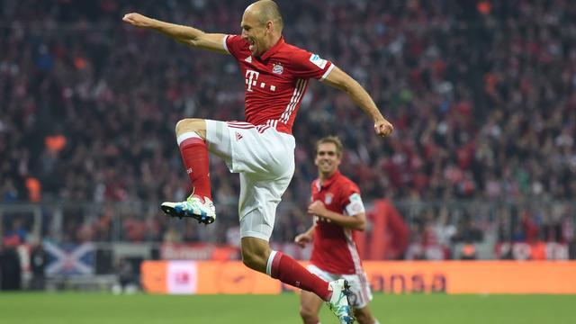 Robben scoort bij rentree, Barcelona en Real verspelen punten