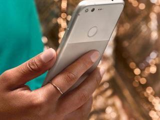 Pixel-telefoons verschijnen op website van Britse winkelketen