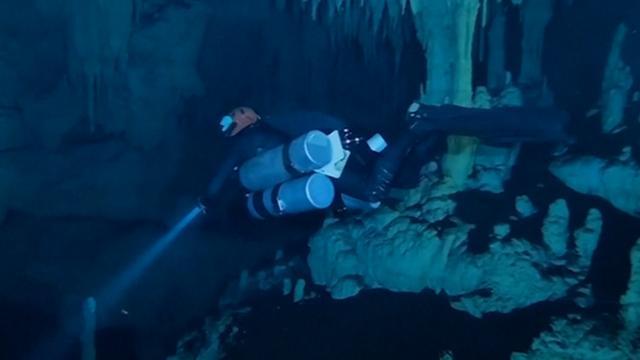Duikers ontdekken langste onderwatergrot ter wereld bij Mexico