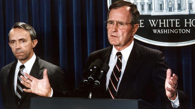 Profiel: George Bush sr., de 'pragmatische huisbewaarder'