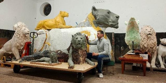 Na kunstwerk varken en olifant nu ook leeuw naar Lammermarkt