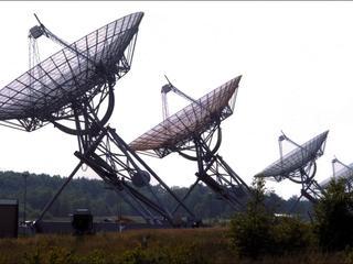 Camera's worden op vijftigste verjaardag telescopen geplaatst
