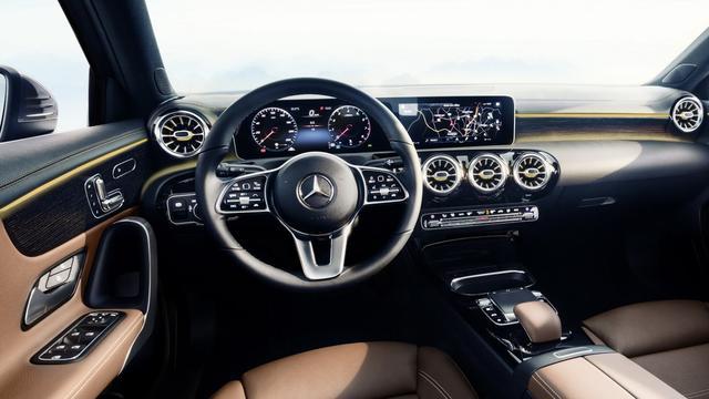Daimler verlaagt verwachtingen na importtarieven en mogelijk gesjoemel