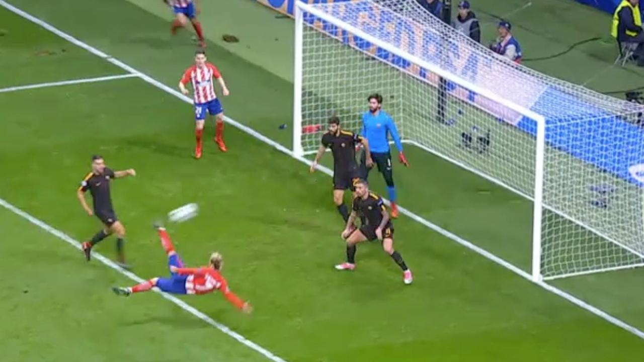 Griezmann zet Atletico met wereldgoal op voorsprong tegen Roma