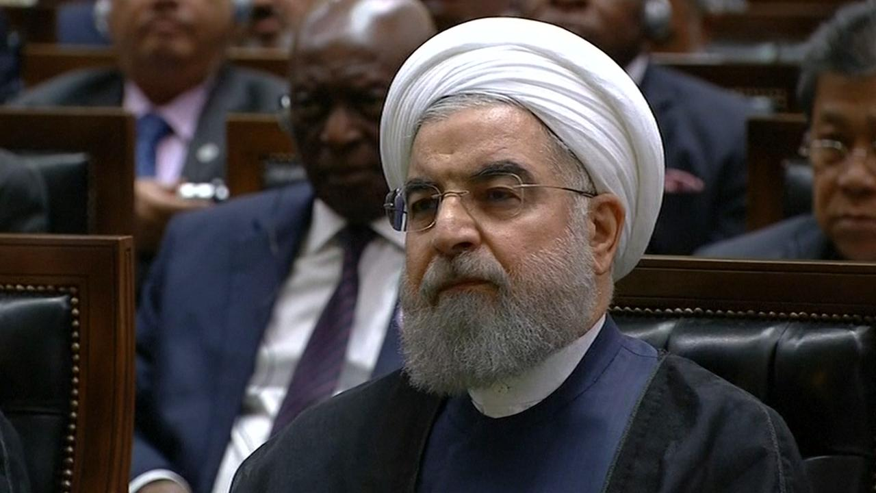 President Rohani legt ambtseed af voor Iraans parlement