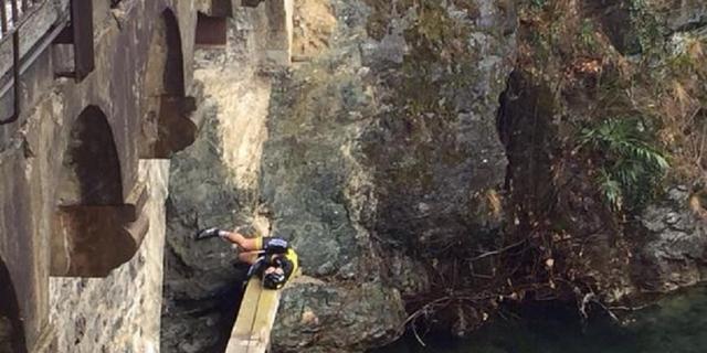 Duitse renner Fiek breekt heup bij val van 12 meter