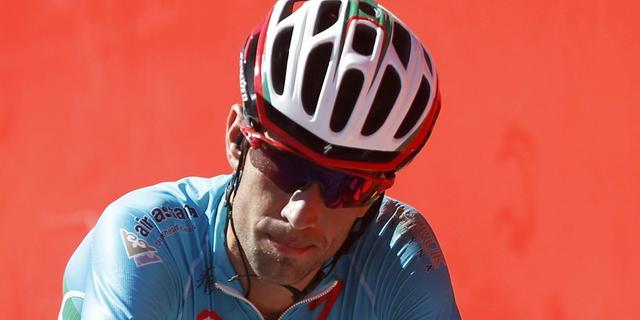 Nibali voelt zich als 'monster' behandeld na uitsluiting in Vuelta