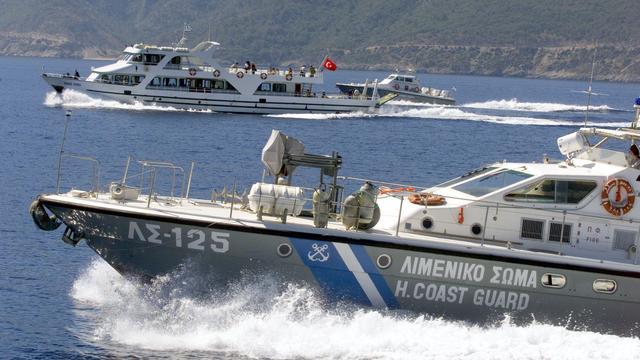 Turks vrachtschip beschoten door Griekse kustwacht