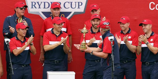 Amerikaanse golfers geven voorsprong niet meer weg en heroveren Ryder Cup