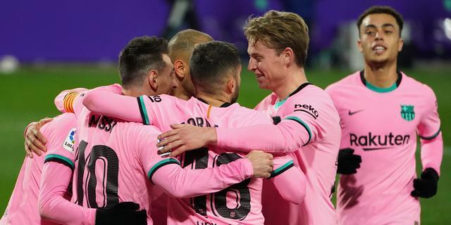 Barcelona herstelt zich mede door recordgoal Messi met winst bij Valladolid