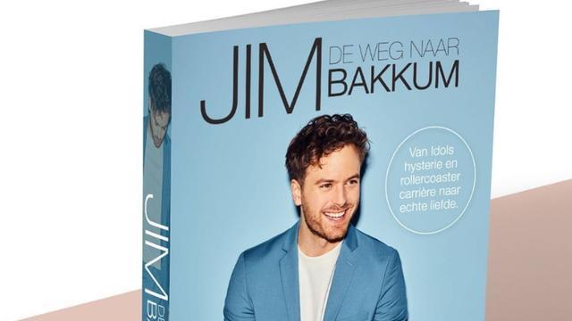 De cover van de biografie van Jim Bakkum.
