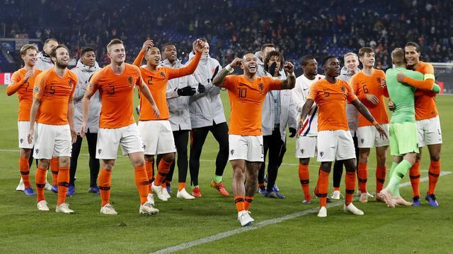 Nederlandse media: 'Fris Oranje vol geloof, onverzettelijkheid en veerkracht'