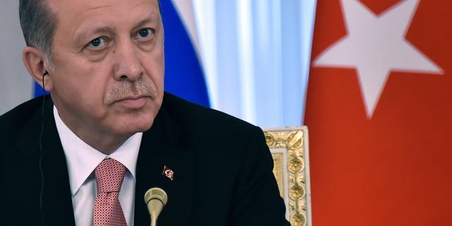 Erdogan wil komiek Böhmermann alsnog laten vervolgen