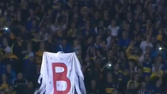 Drone en traangas bij Argentijnse voetbalwedstrijd