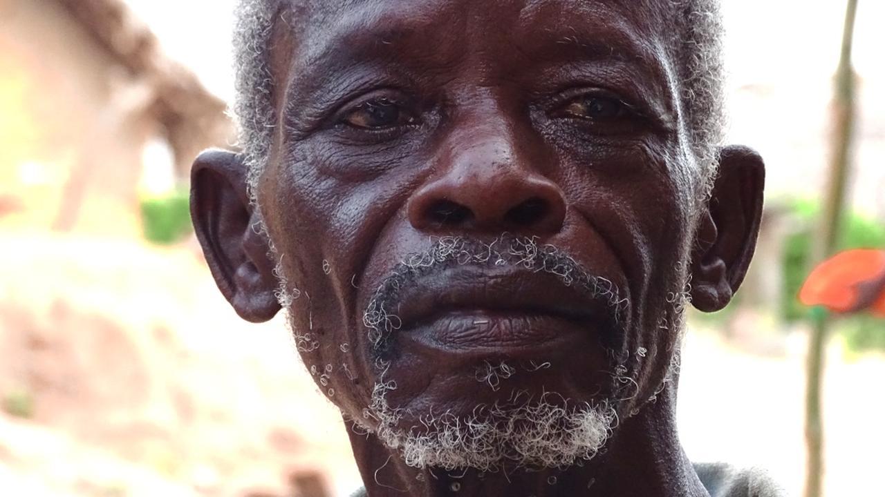 Serious Request: 'Geesten vertellen mij hoe ik longontsteking kan genezen'