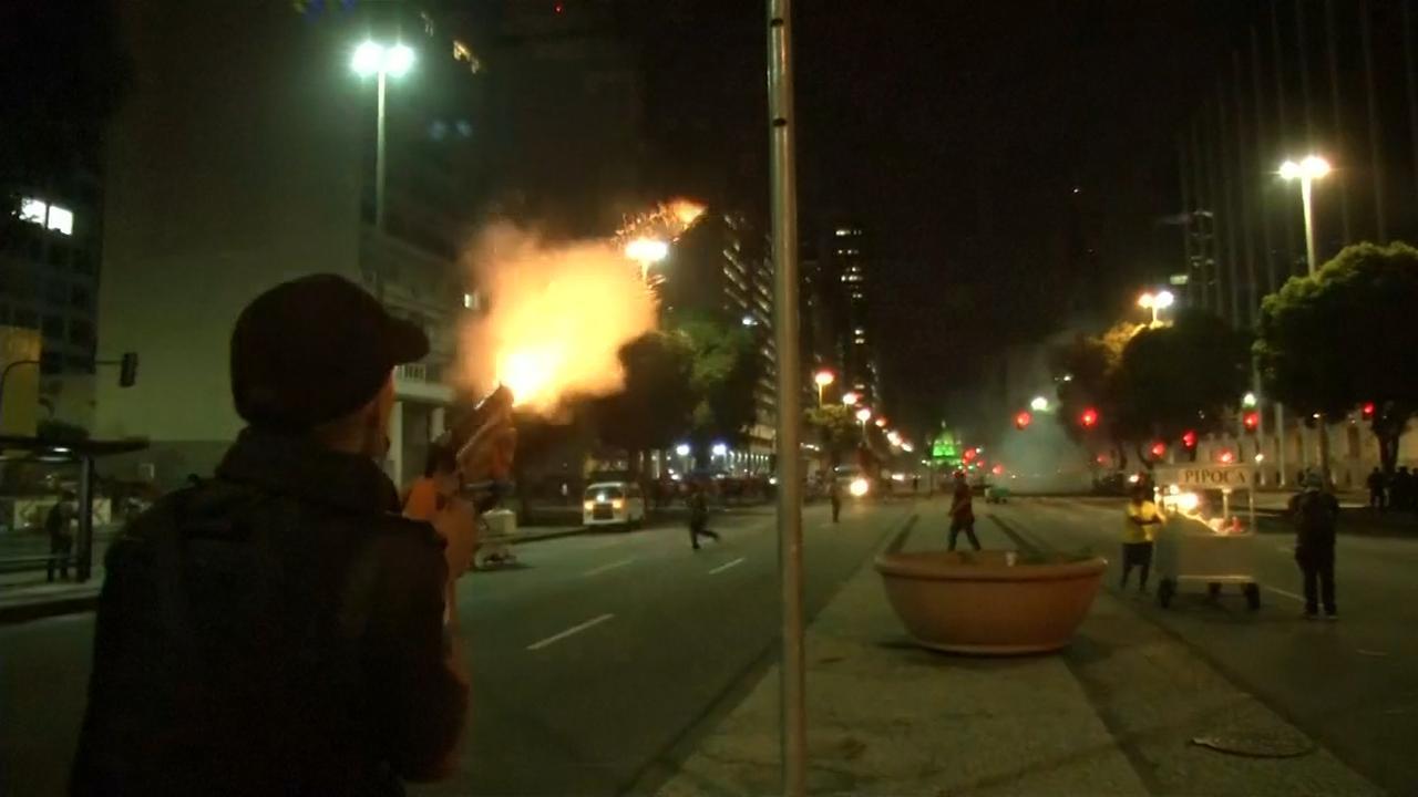 Politie zet traangas in bij protest tegen pensioenhervorming Brazilië