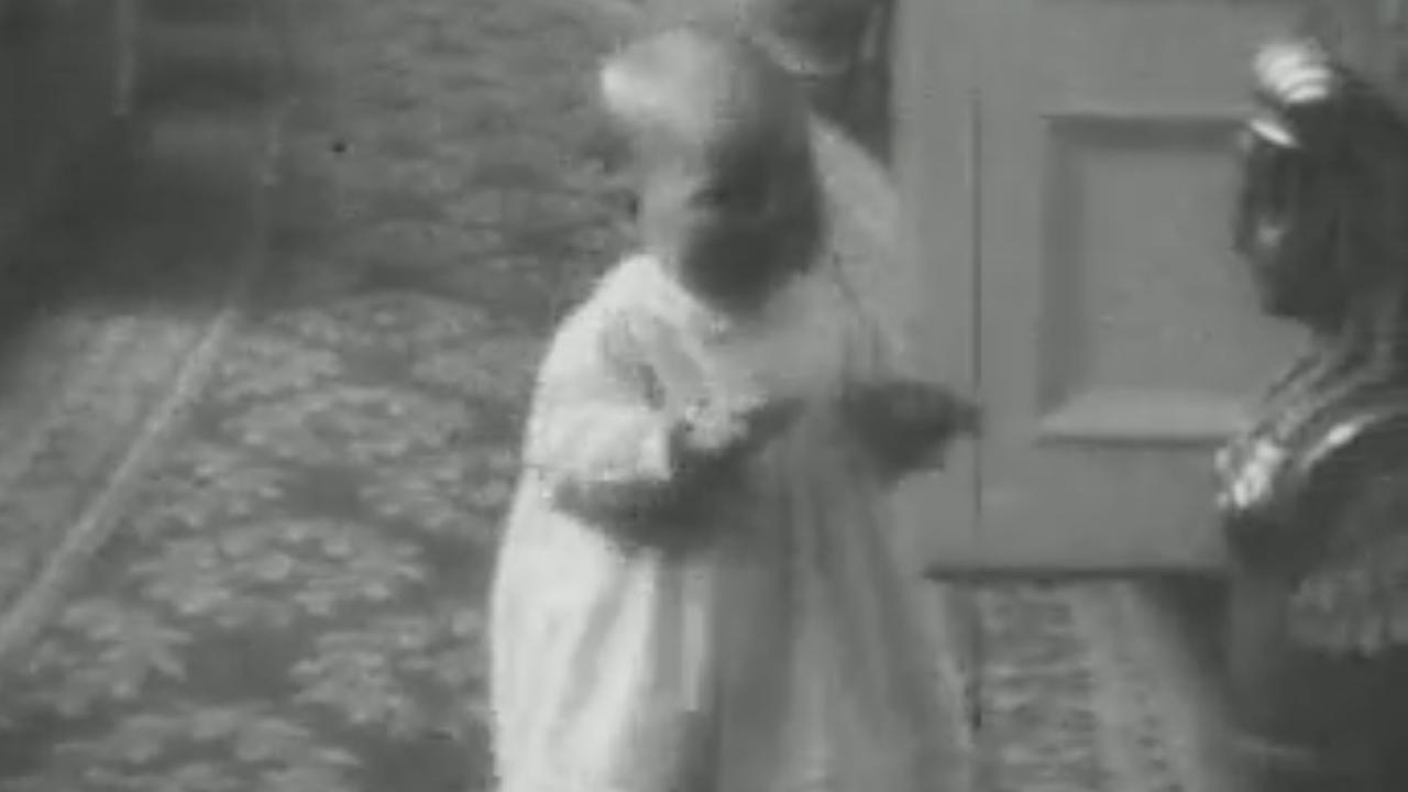 De babytijd van prinses Beatrix in beeld