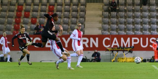 Beerensteyn en Martens helpen mee aan CL-uitschakeling Ajax en PSV Vrouwen