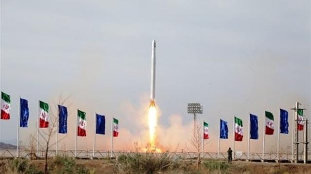Revolutionaire Garde: 'Iran heeft eerste militaire satelliet gelanceerd'
