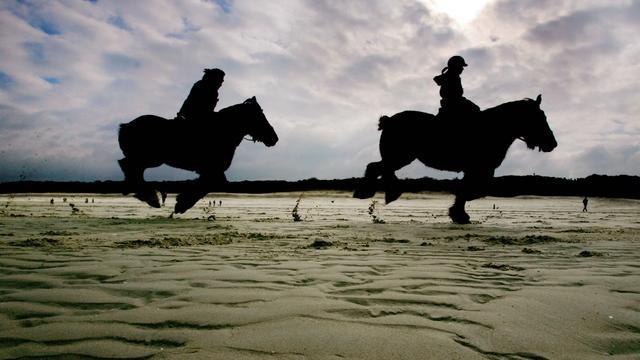 Zeeuws strandrijden en Overijsselse paasgebruiken op erfgoedlijst