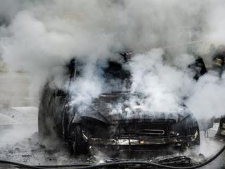 Politie gaat op beide locaties uit van brandstichting