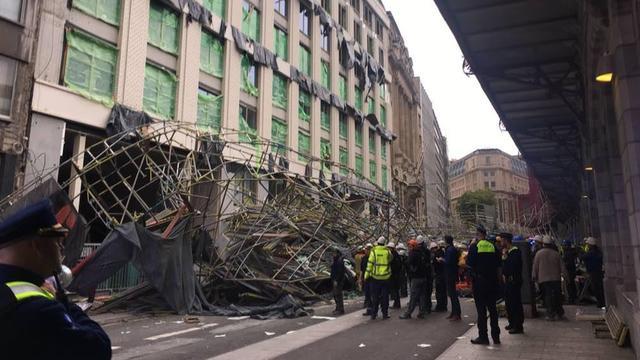 Dode en gewonde door instorten steiger in Antwerpen