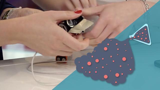 Lifehack getest: Kan je je telefoon opladen met een gewone batterij?
