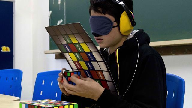 Australiër weer wereldkampioen Rubiks kubus oplossen