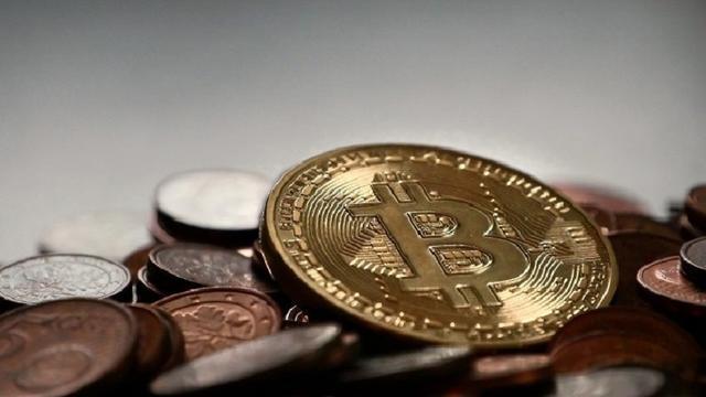 Eindhovenaar opgepakt in onderzoek naar witwassen via bitcoins