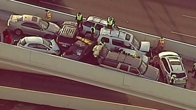 Texaanse snelweg geblokkeerd na kettingbotsing